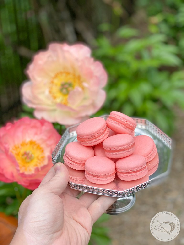 perfect macarons with flowers