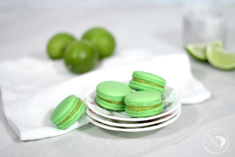 Lime macarons 1