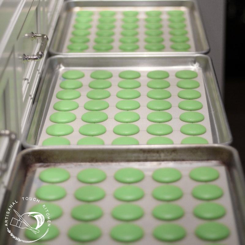 Lime macarons 4