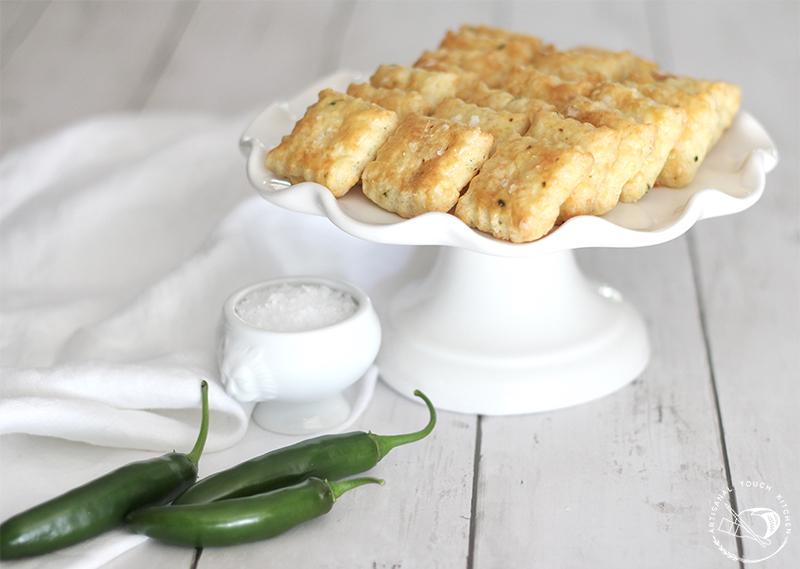 Spicy cheddar shortbread crackers