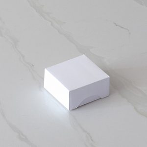 Box template for one macaron solid
